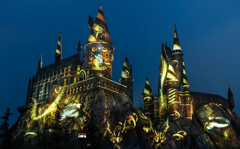 Nighttime Lights Will Return to Hogwarts Castle