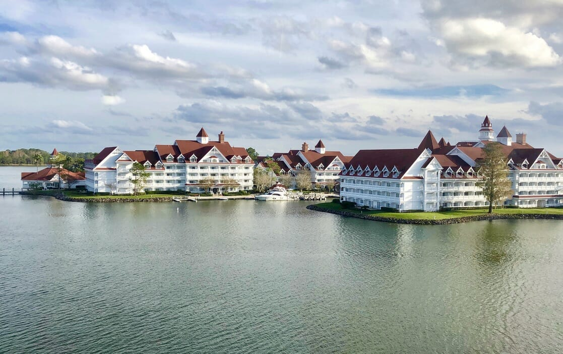 October Schedule for Extended Evening Theme Park Hours for Deluxe Resort Hotel Guests Released