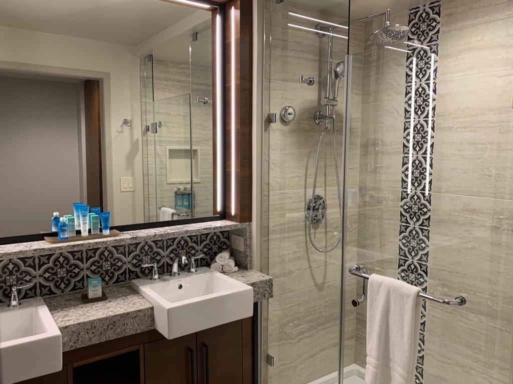 Gran Destino Tower Bathroom