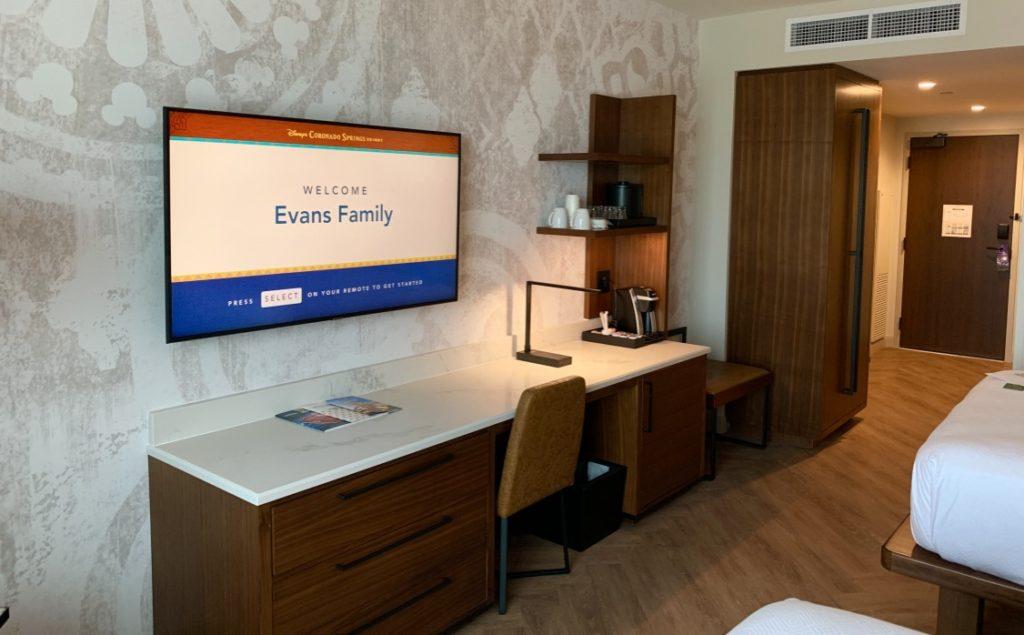 Gran Destino Tower Room Television and Desk