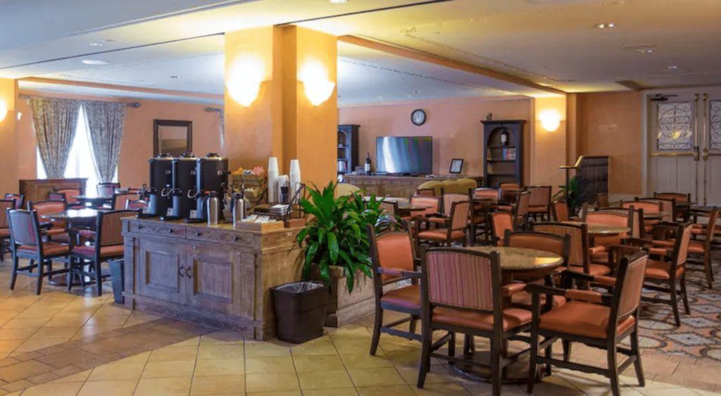 Club Lounge Loews Portofino Bay