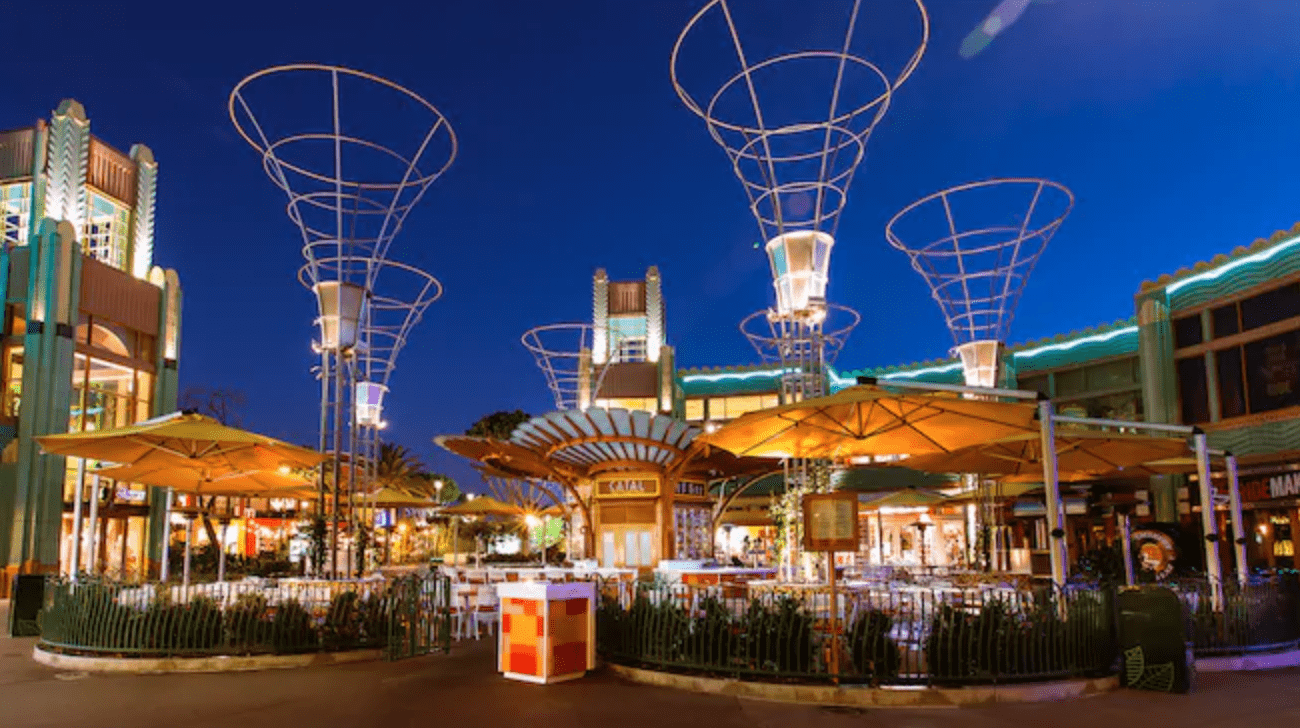 Downtown Disney to Close Parts of Dining Due to New Stay at Home Order
