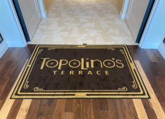 Tables in Wonderland Topolino Terrace