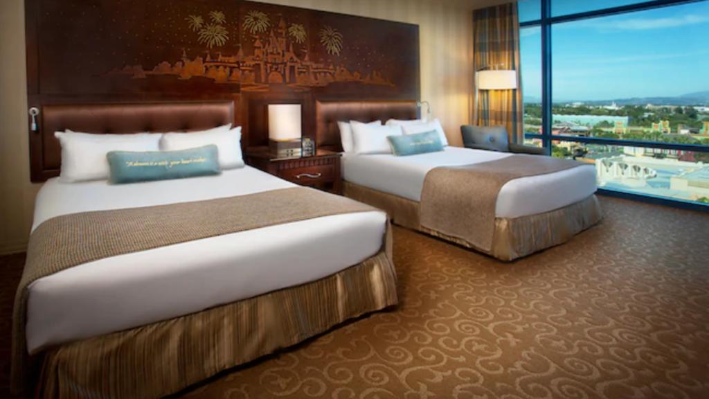 Disneyland Hotel Suite