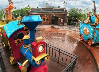 Casey Jr. Splash 'N' Soak Station