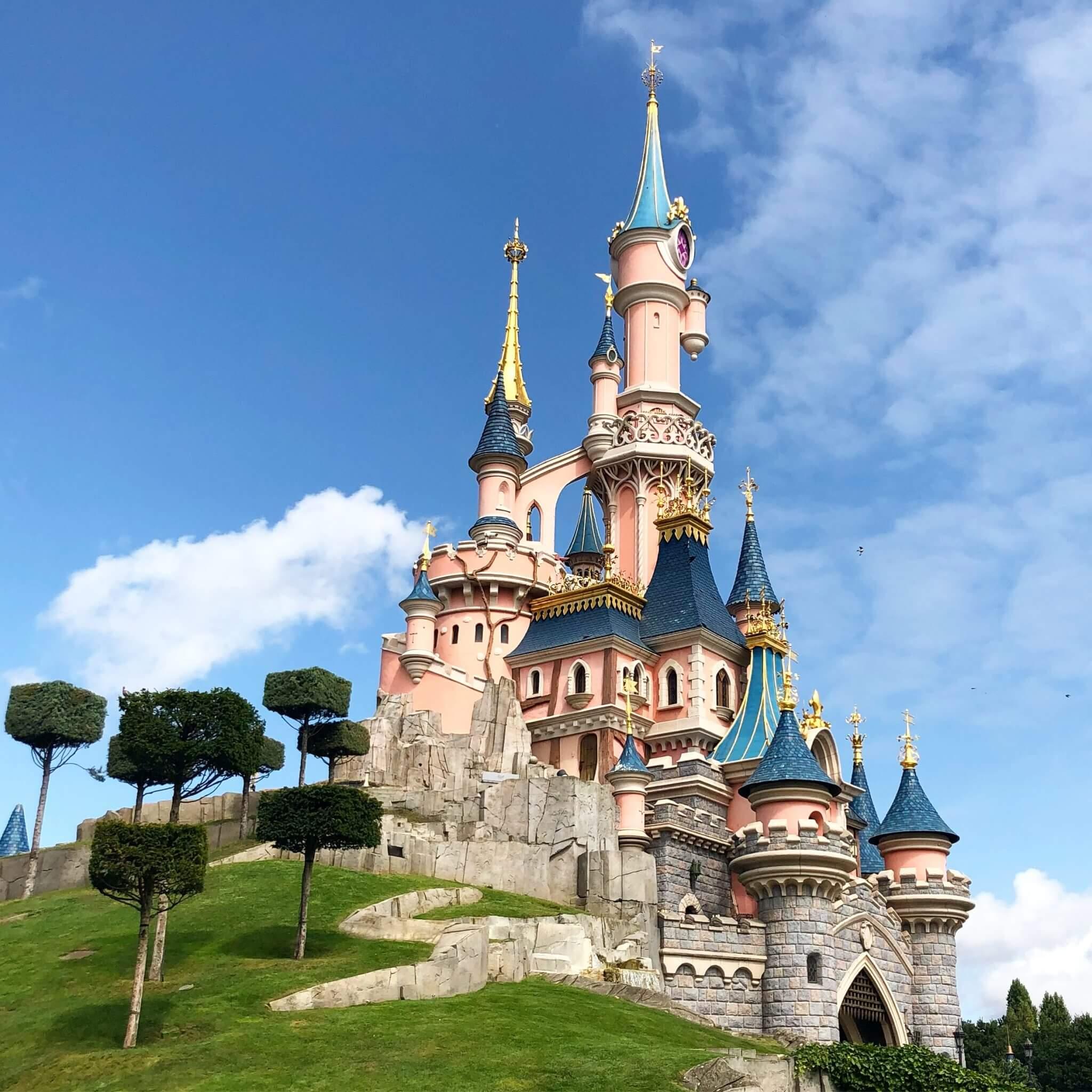 Disneyland Paris To Temporarily Close October 30 Theme Park Professor