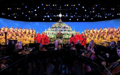 """The """"Candlelight Processional"""" Returns to EPCOT"""